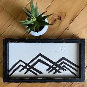 Distressed Wooden Mountain Sign
